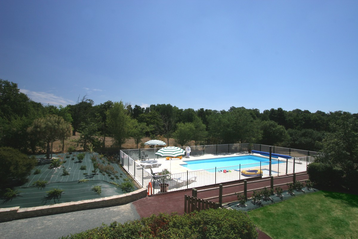 Gite en vendee avec grande piscine chauff e solaire for Piscine chauffee
